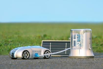 hracer-hydrogen-fuel-cell-racer-5004821-0.jpg